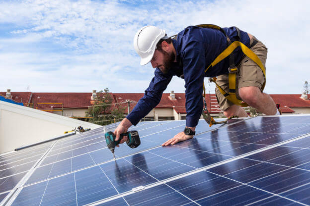 6 Reasons to Hire a Professional Solar Installer